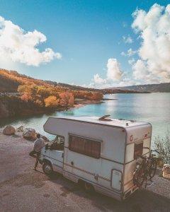 Campervan-nature-road